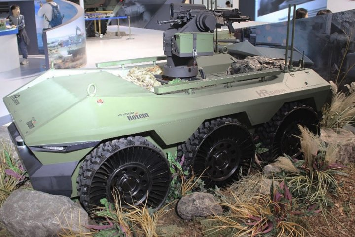 Hyundai Rotem displayed its Sherpa 6x6 multipurpose UGV at the ADEX 2019 exhibition. (IHS Markit/Sunil Nair )