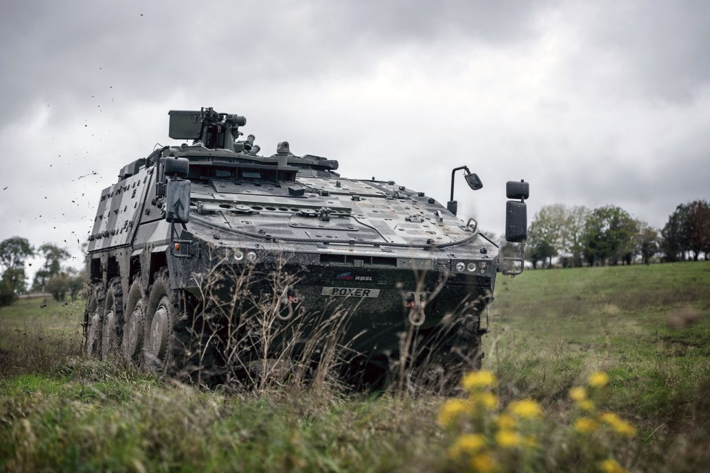OCCAR and KMW signed a GBP2.8 billion contract on behalf of the UK for more than 500 Boxer 8×8 armoured vehicles on 4 November. (Crown copyright)