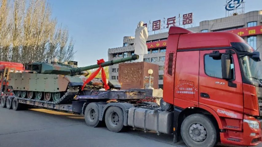 One of the two customised VT4s photographed leaving China's Inner Mongolia First Machinery Group on 20 April. The group did not reveal the identity of the customer. (Inner Mongolia First Machinery Group)