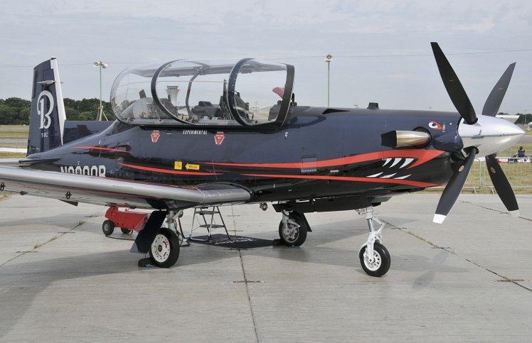 El T-6 Texan II est siendo adquirido por Colombia como reemplazo de su antigua flota de entrenadores T-37  An no se ha tomado una decisin de reemplazo para el avin de ataque ligero A-37  Janes  Patrick Allen