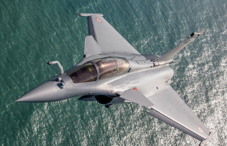One of the 36 Dassault Rafale fighters ordered by the IAF undergoing a test flight in France. The first five such aircraft for the IAF arrived in India on 29 July.  (Dassault Aviation/G. Gosset)