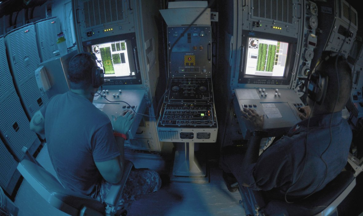 US sailors conduct sonar contact detection and classification operations aboard the USS Warrior (MCM-10). Cloud computing technologies like those envisioned on the JEDI Cloud programme could result in real-time transfers and analysis of such data. The Pentagon reaffirmed its decision to award JEDI Cloud to Microsoft on 4 September 2020. (US Navy )