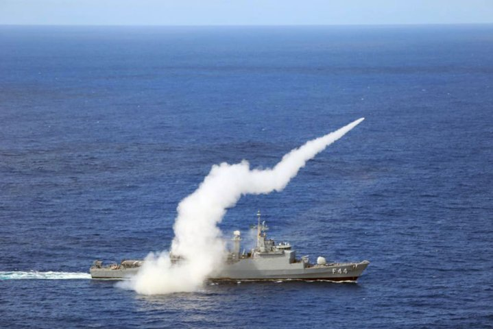 The Brazilian Navy frigate F Independencia tested locally developed MANSUP anti-ship missile in July 2019, Brazil's newly released 20-year plan shows continued interest in MANSUP development. (Brazilian Navy)
