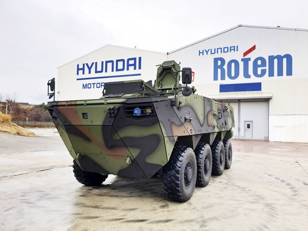 A K808 armoured combat vehicle. Hyundai Rotem announced on 29 September that it has secured an order for a third batch of K806 and K808 vehicles for the RoKA. (Hyundai Rotem)
