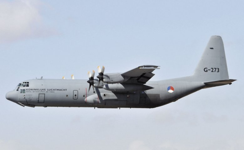 One of four C-130H Hercules airlifters that the Netherlands has decided to replace rather than modernise. A competition will be run to find a successor, with both the C-130J and A400M likely to go head-to-head for the requirement. (Janes/Patrick Allen)