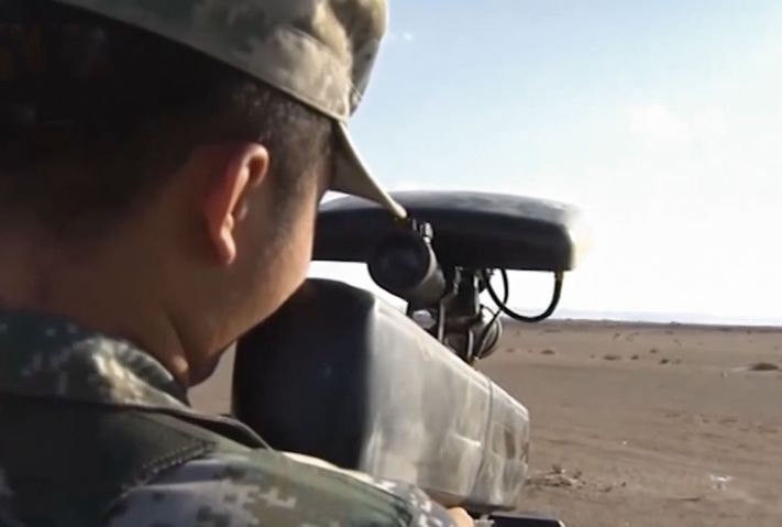 A PLAGF soldier using a previously unseen handheld jammer to force a small UAV into a controlled landing. An air-defence unit within the PLAGF's 73rd Group Army demonstrated its capabilities to counter UAV swarms in an exercise conducted in a desert region in northwestern China.  (CCTV)