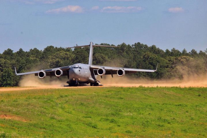 An RAF C-17 practised landing and taking off from the Fort Polk training facility in Louisiana on 26 December 2020. (Crown Copyright)