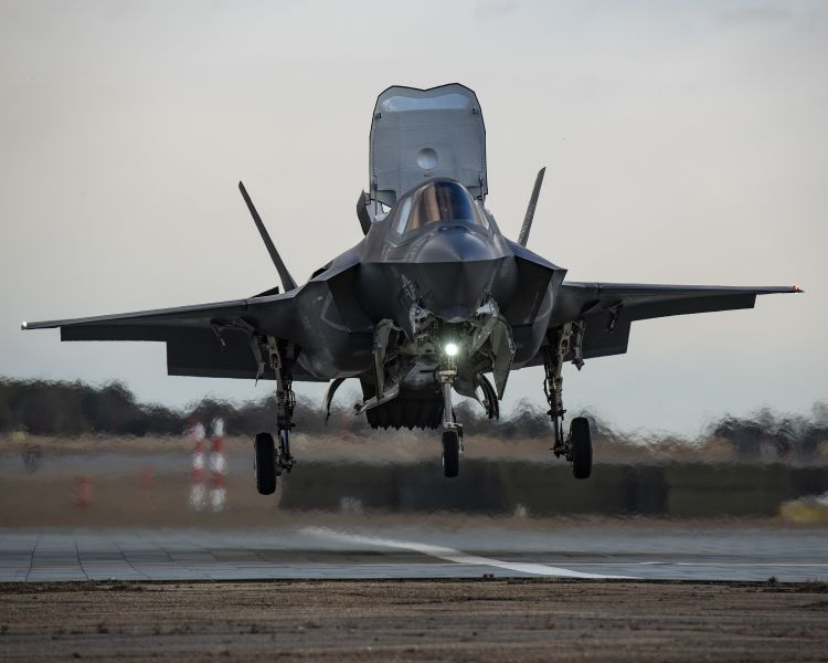 The first US Marine Corps VX-23 'Salty Dogs' pilot from the F-35 Patuxent River ITF began STOVL training at NAS Patuxent River, Maryland, in early February. This unit will deploy to ITS          Cavour          in the coming weeks to help the Italian Navy build up its F-35B capability.        (DVIDS)