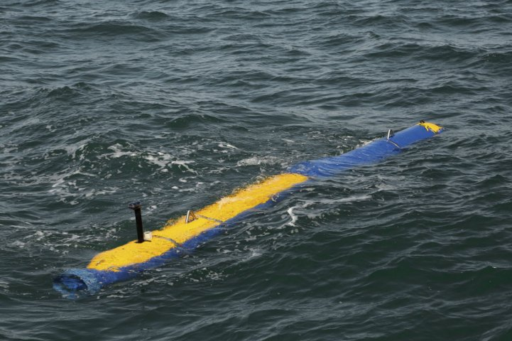 GDMS has delivered the first LRIP Knifefish SMCM UUV package to the USN. (GDMS)